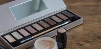 Zestaw kosmetyków do makijażu - jak skompletować świąteczny zestaw prezentowy