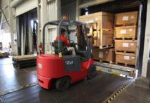 Jak prawidłowo zabezpieczyć i rozmieścić przesyłki w trakcie transportu?